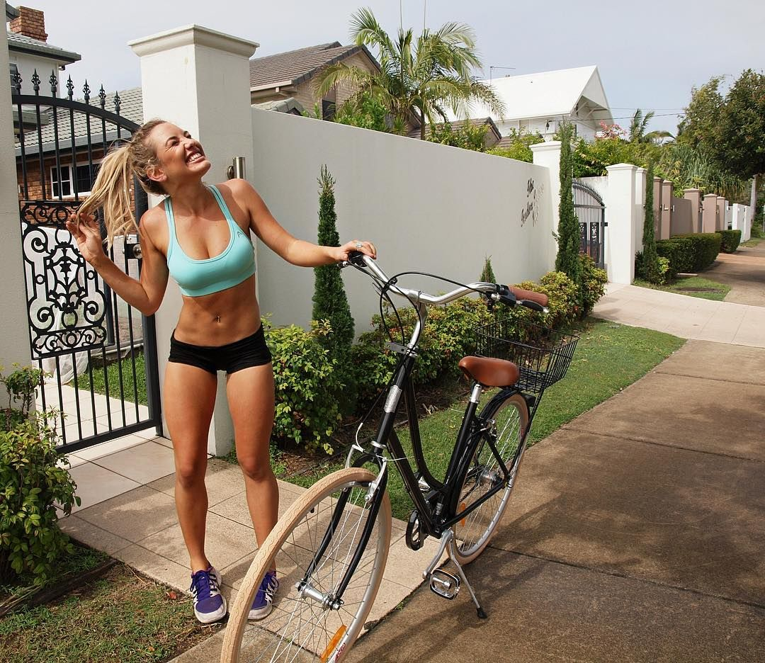 Cycling Chicks Photo With Images Bicycle Girl Bikes Girls