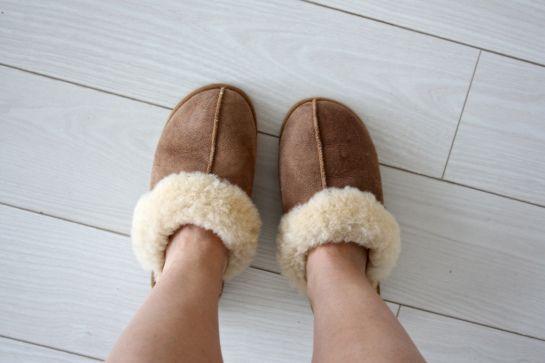 homevialaura #sheepskin #slippers #white #floor