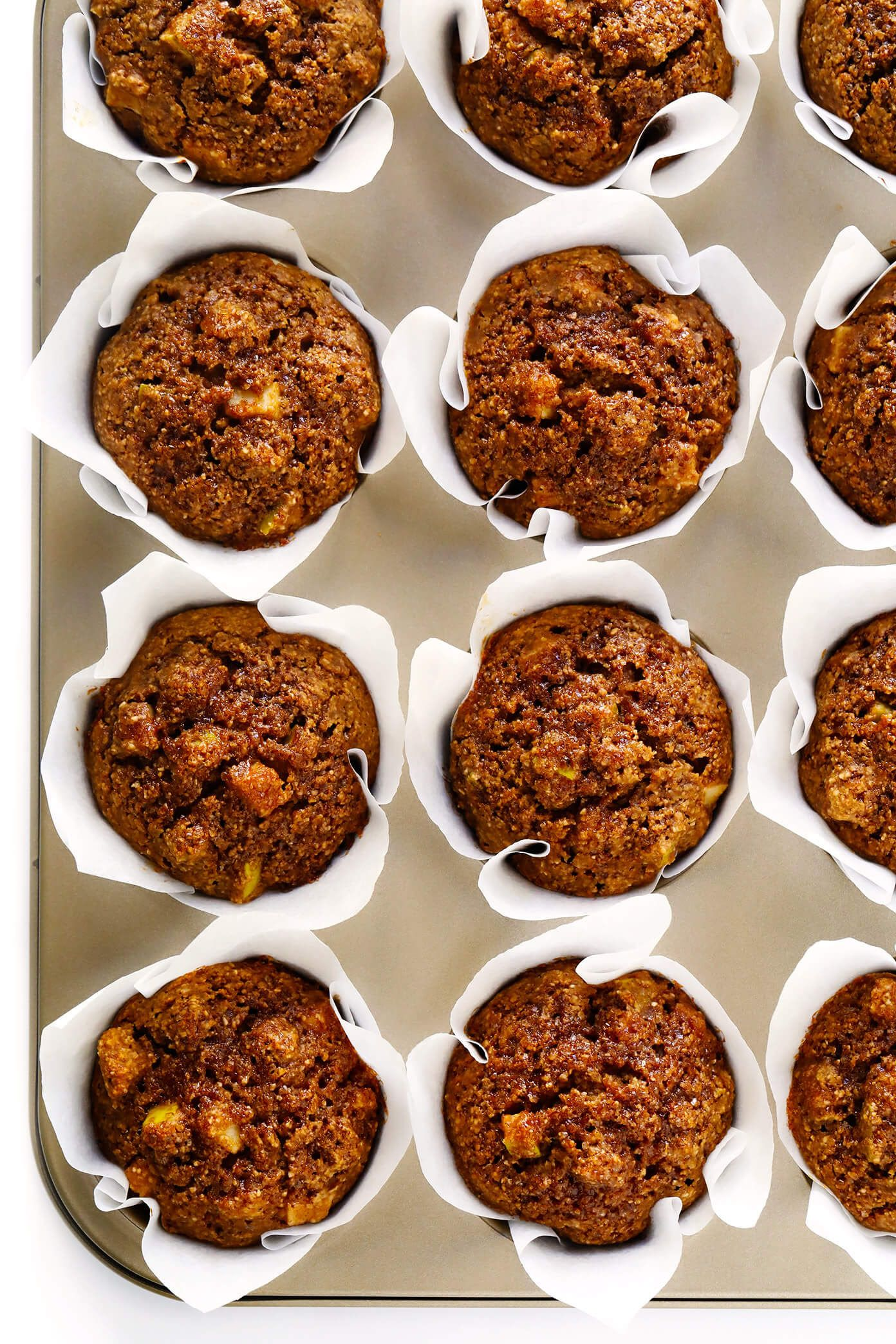 LOVE these healthy apple muffins! They're glutenfree