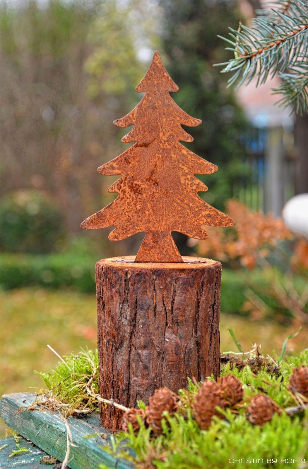 Quaste Aus Kiefernadeln Natürliche Gartendeko Im Winter Weihnachtsdekoration In 2020 Metal Christmas Tree Tree Sculpture Rusty Garden
