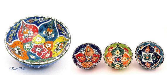Ceramic bowl with bright colors! extraordinary and handmade! Keramikschale Türkei on my etsy-Shop https://www.etsy.com/de/listing/216009189/keramikschale-handgemacht-turkei-kutahya