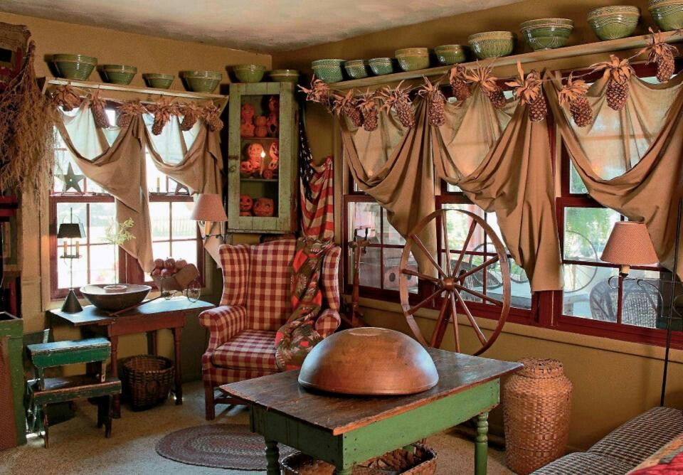 Love The Window Treatments An Amazing Room Primitive Living Room Primitive Country Homes Primitive Homes #primitive #decor #ideas #living #room