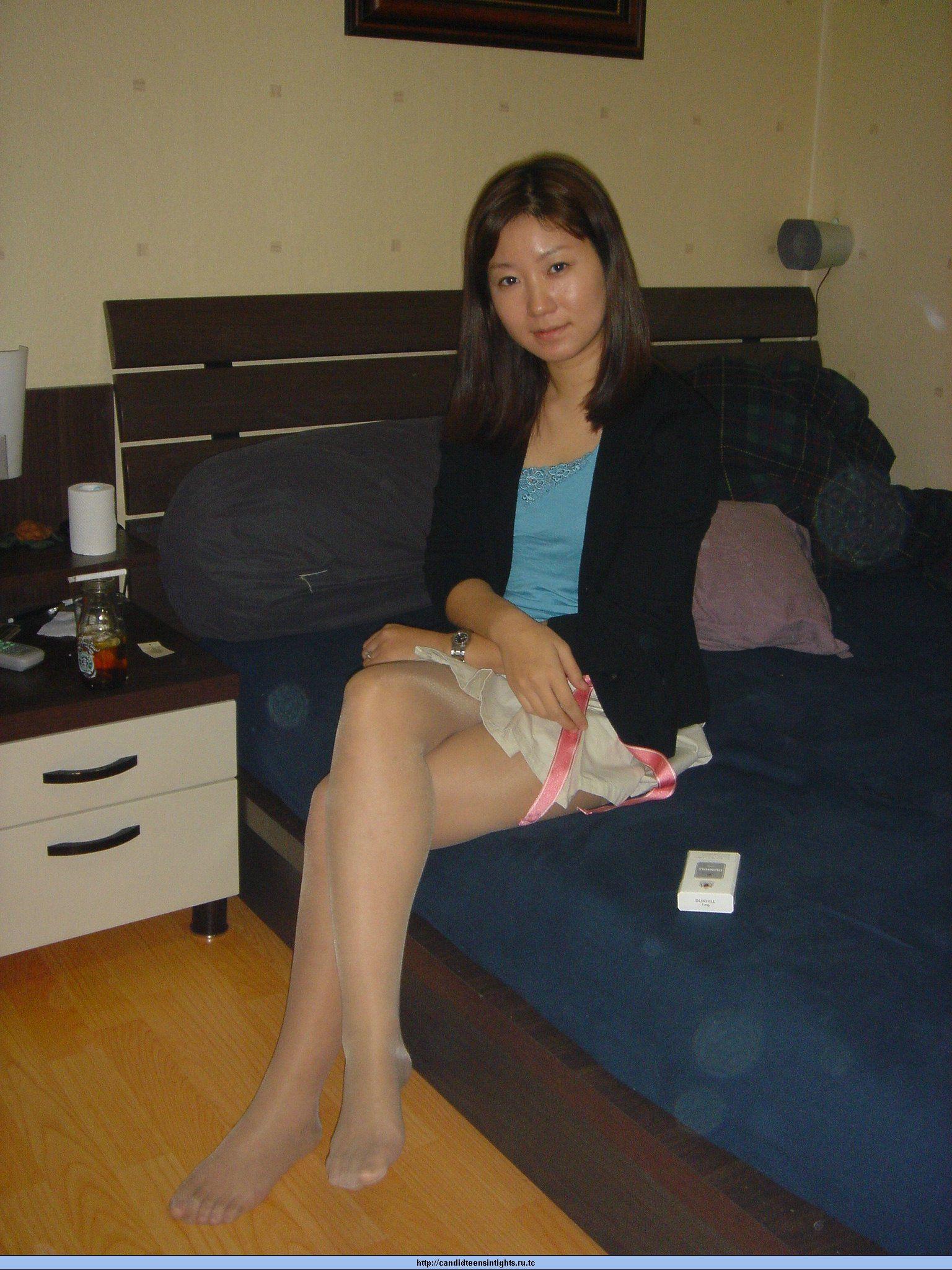 japanese women wearing pantyhose