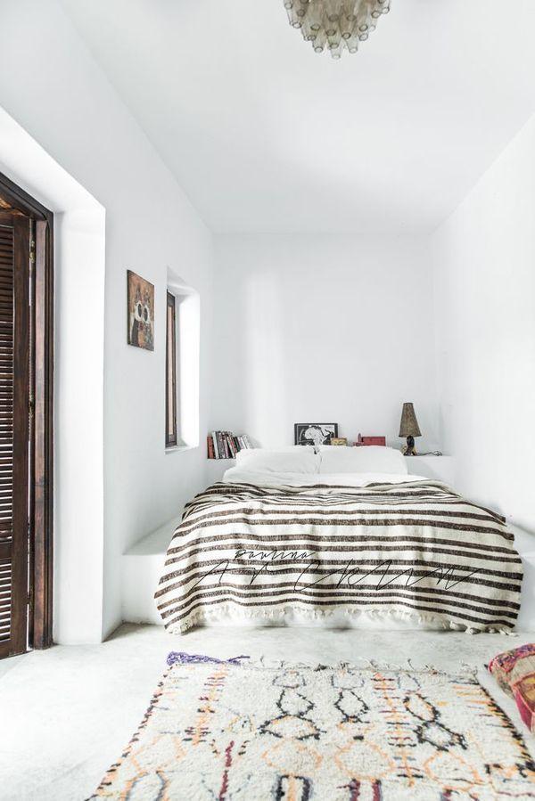 // moroccan rug // Bedroom // stripes