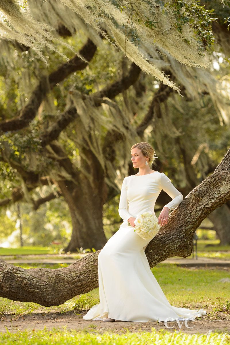 Southern Brides Baton Rouge New Orleans Louisiana Bridal Photography Bridal Photography Wedding Photography Bridal Pictures [ 1200 x 800 Pixel ]