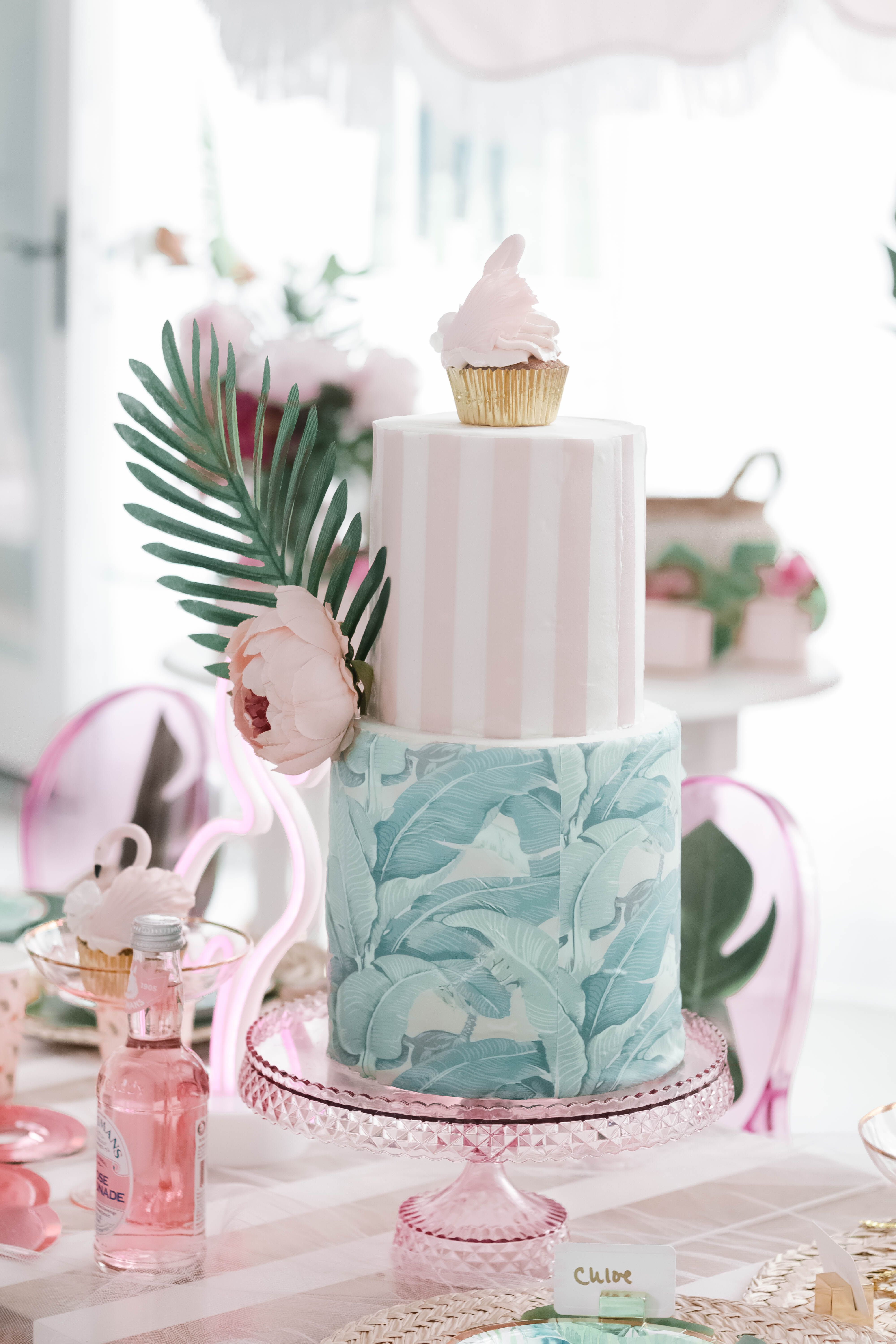 How cute is this Beverly Hills Hotel Inspired Cake
