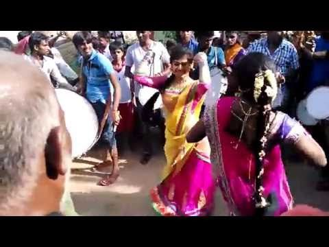 2 Tamil Girls Marana Kuthu dance in public - viral video - http://