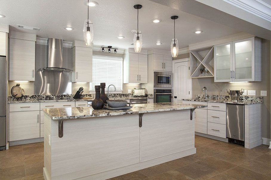 Eclipse Cabinetry By Shiloh Metropolitan In White Zebrine