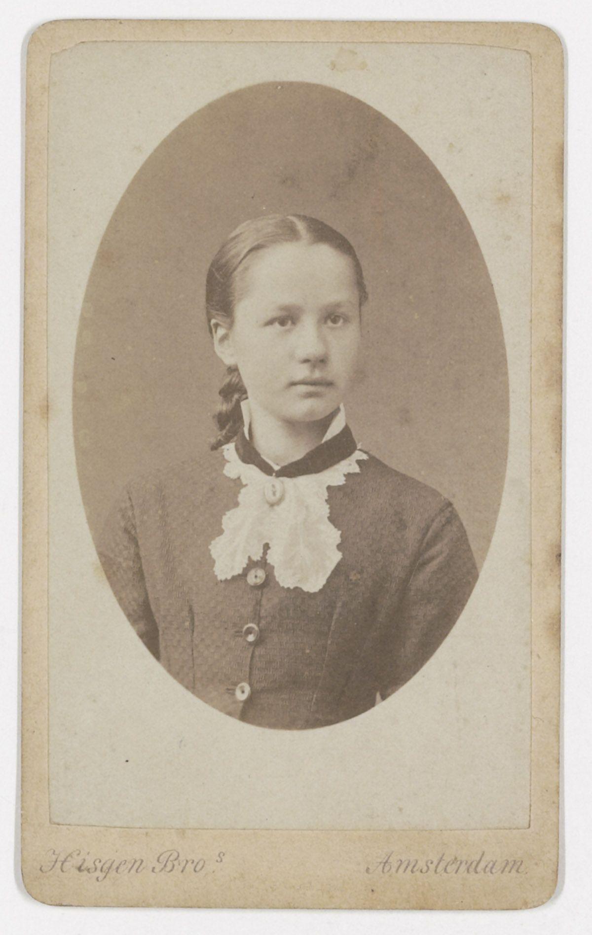 Jo van Gogh-Bonger as a young girl | Thesis | Pinterest | Van gogh, Vans and Artist