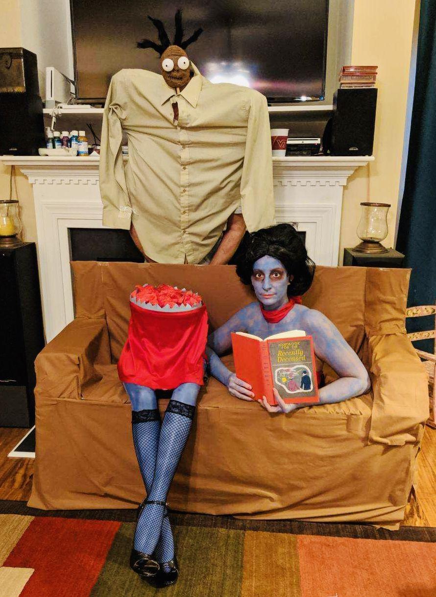 Halloween Costumes Beetlejuice The Beautician S Assistant And The Shrunken Head Guy Halloween Costumes Beetlejuice Beauticians