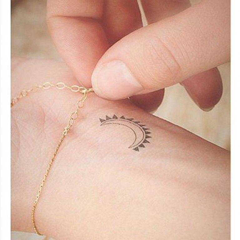 Sun Moon Things Pinterest Tatouage Petit Tatouage And