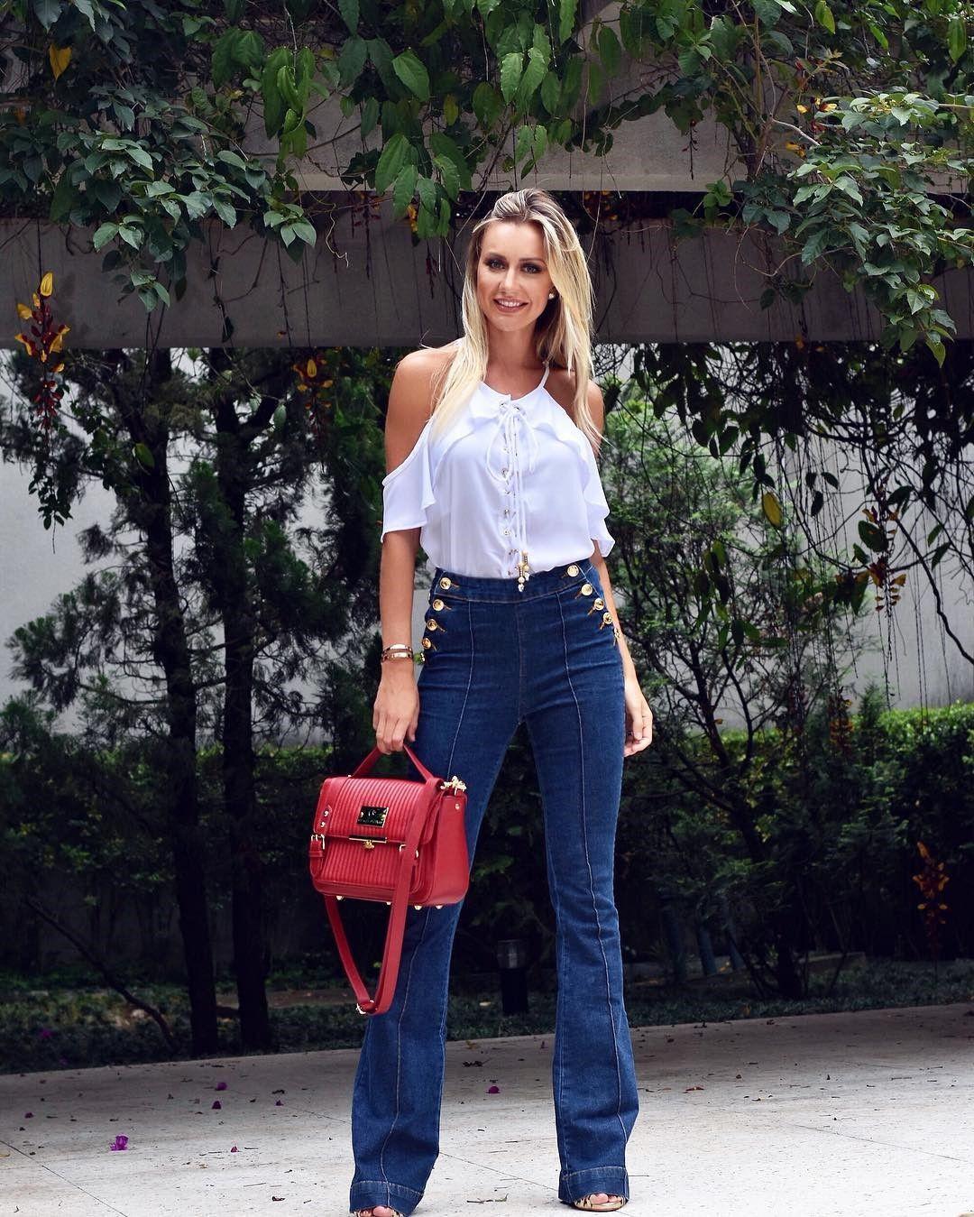 450f8e8a5d Look total Carmen Steffens! Calça jeans cintura alta e blusa de ...