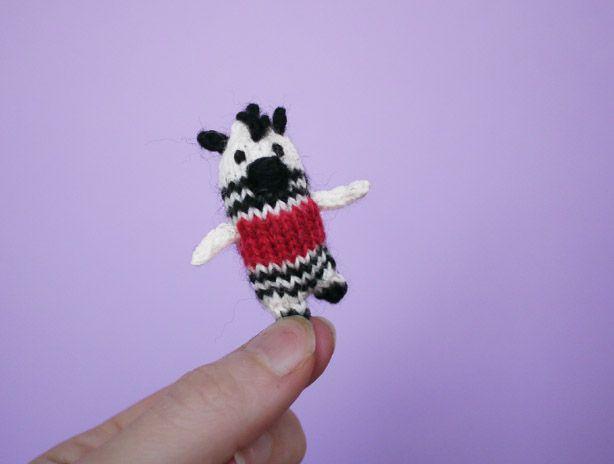 Mini Carnival Zebra Knitting Pattern | Animal knitting ...