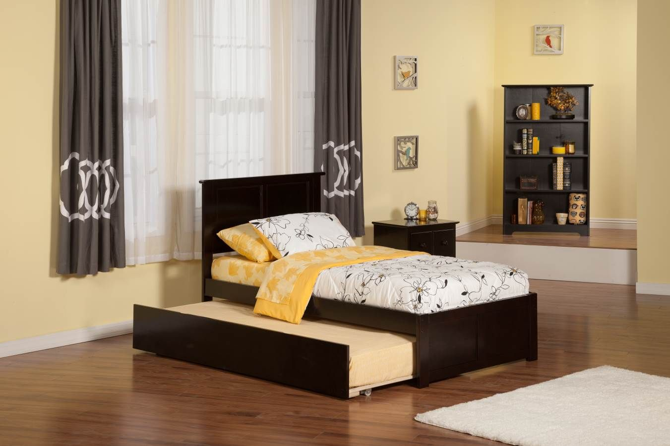 Madison Twin Bed w Flat Panel Footboard & Urban Trundle in