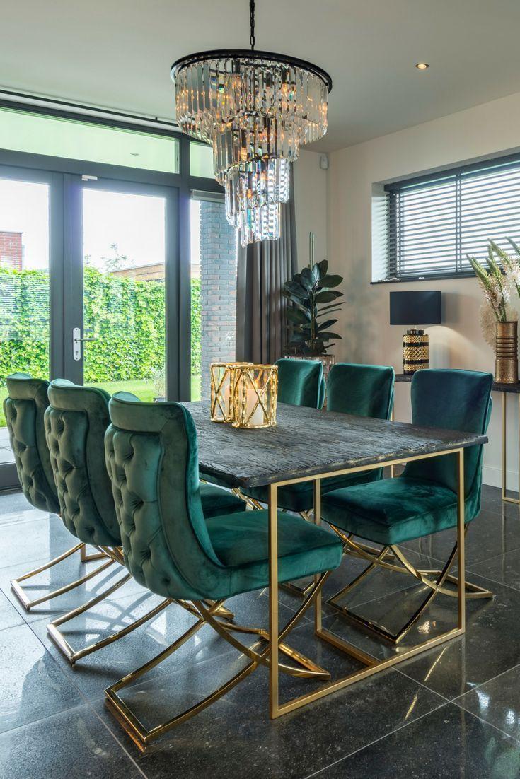 Photo of BELFORT | RICHMOND INTERIORS grüne Stühle, goldene Accessoires, goldene Innenausstattung – Mode Männer
