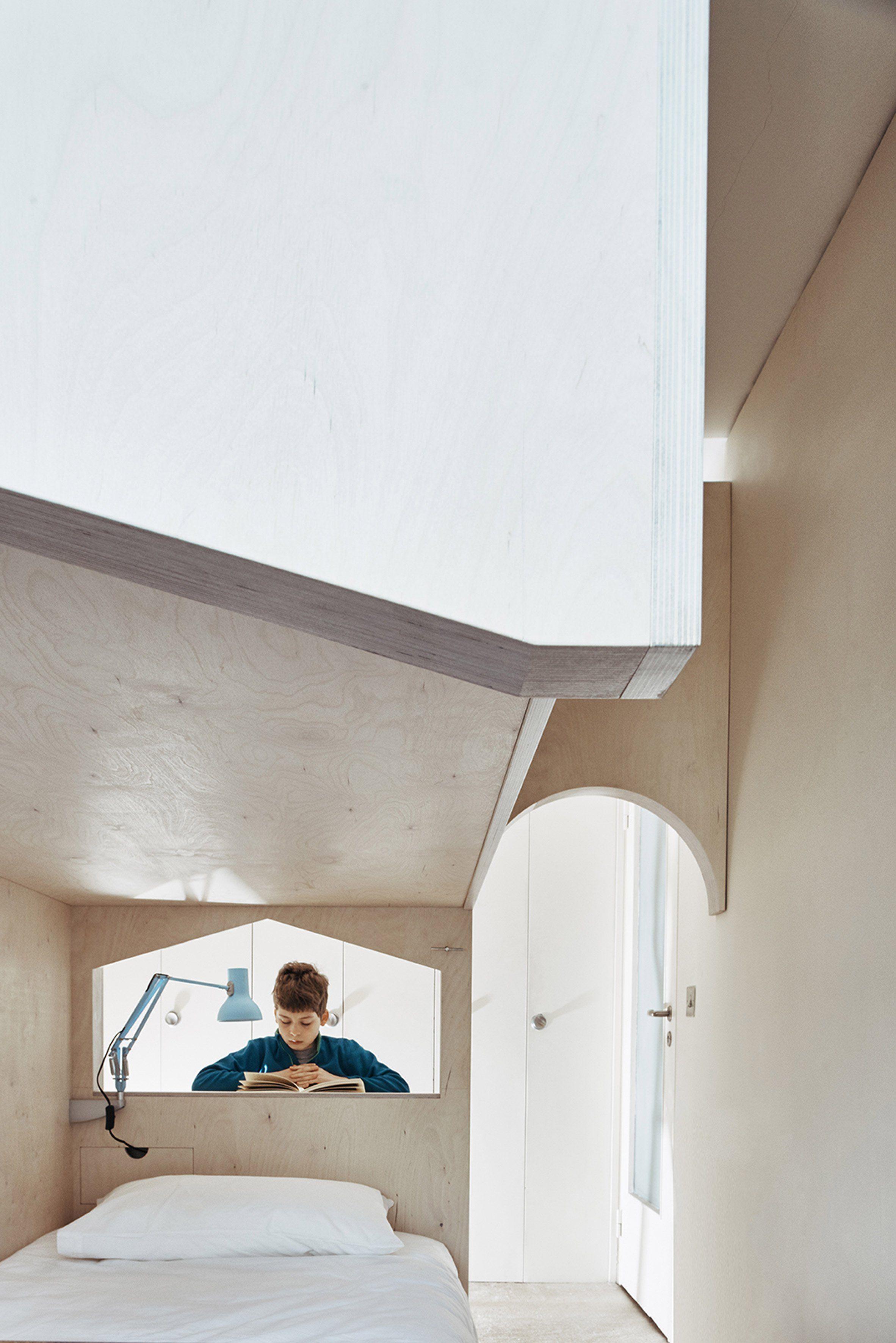 Interior design of children's bedroom studio ben allen inserts pale plywood childrenus bedroom into