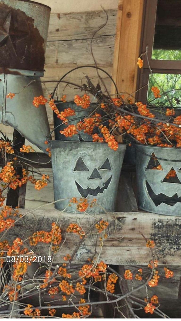 Awesome Vintage Halloween Decorating Ideas 16250