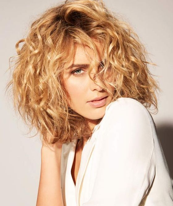 Cheveux Mi Long Coiffure Boucle Wondercabinetsofeurope