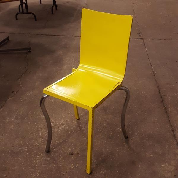 Large Image Du Produit Lot De Chaises Chaise Plastique Chaises Bois