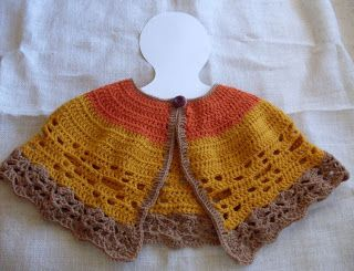 "Craftybegonia: Tri-Color Capelet - sometimes you just need a little more shoulder warmth. Perfect for those in a wheelchair or maybe that ""older"" neighbor. free pattern"