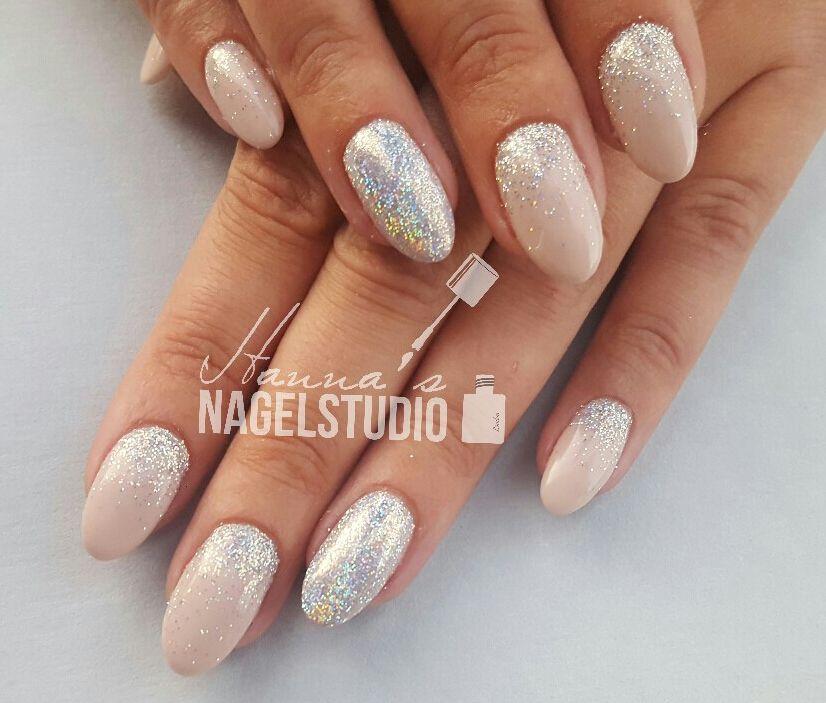 Acryl nagels / almond nails / glitter nails / soft pink ... Almond Nagels