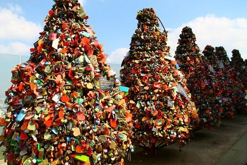 Love lock bridge in Seoul❤️