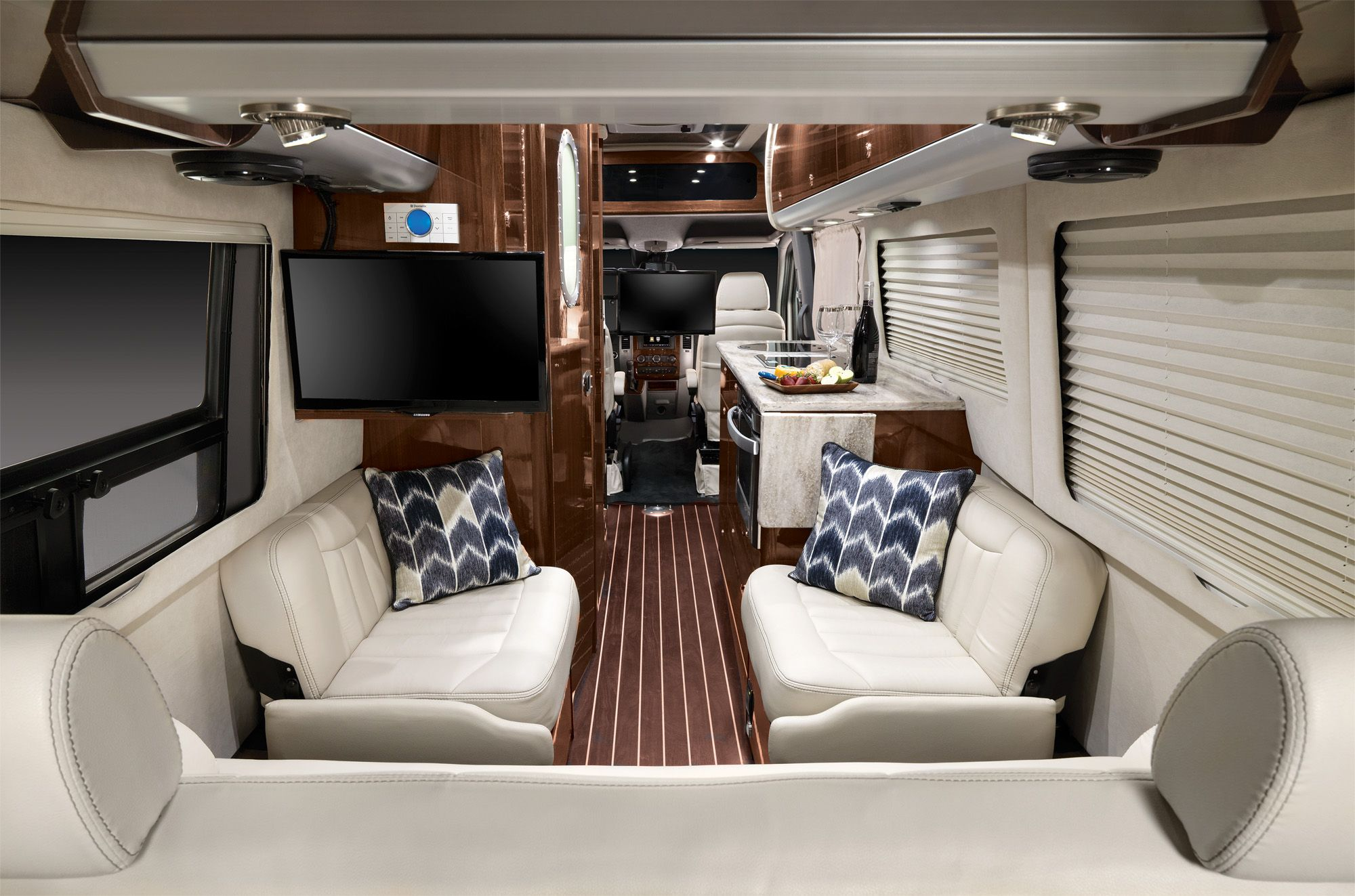 Airstream announces new 24 foot mercedes touring coach for Mercedes benz parts distribution center carol stream il