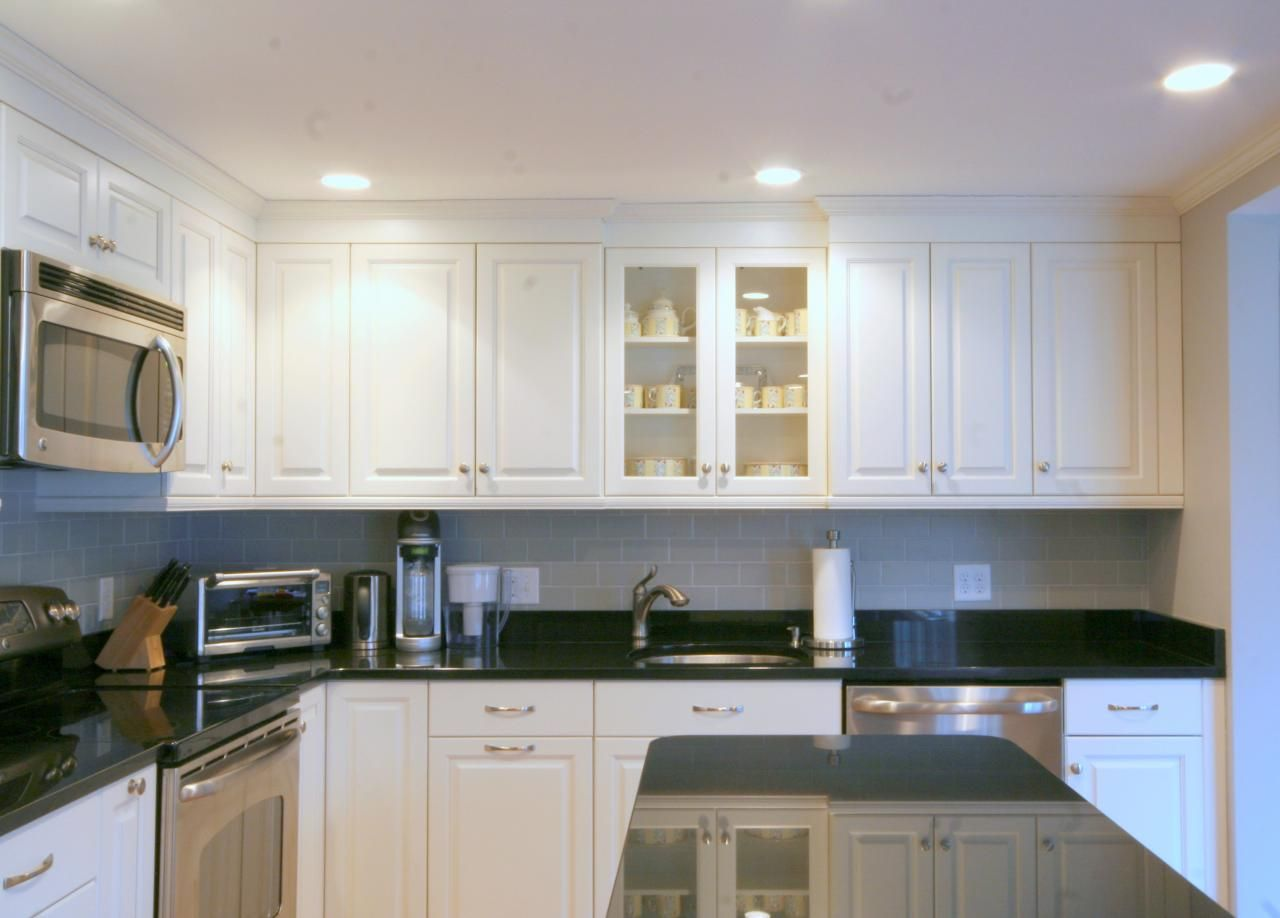Classic Black And White Kitchen Classic Black And White Kitchen  White Kitchens Ivory Kitchens