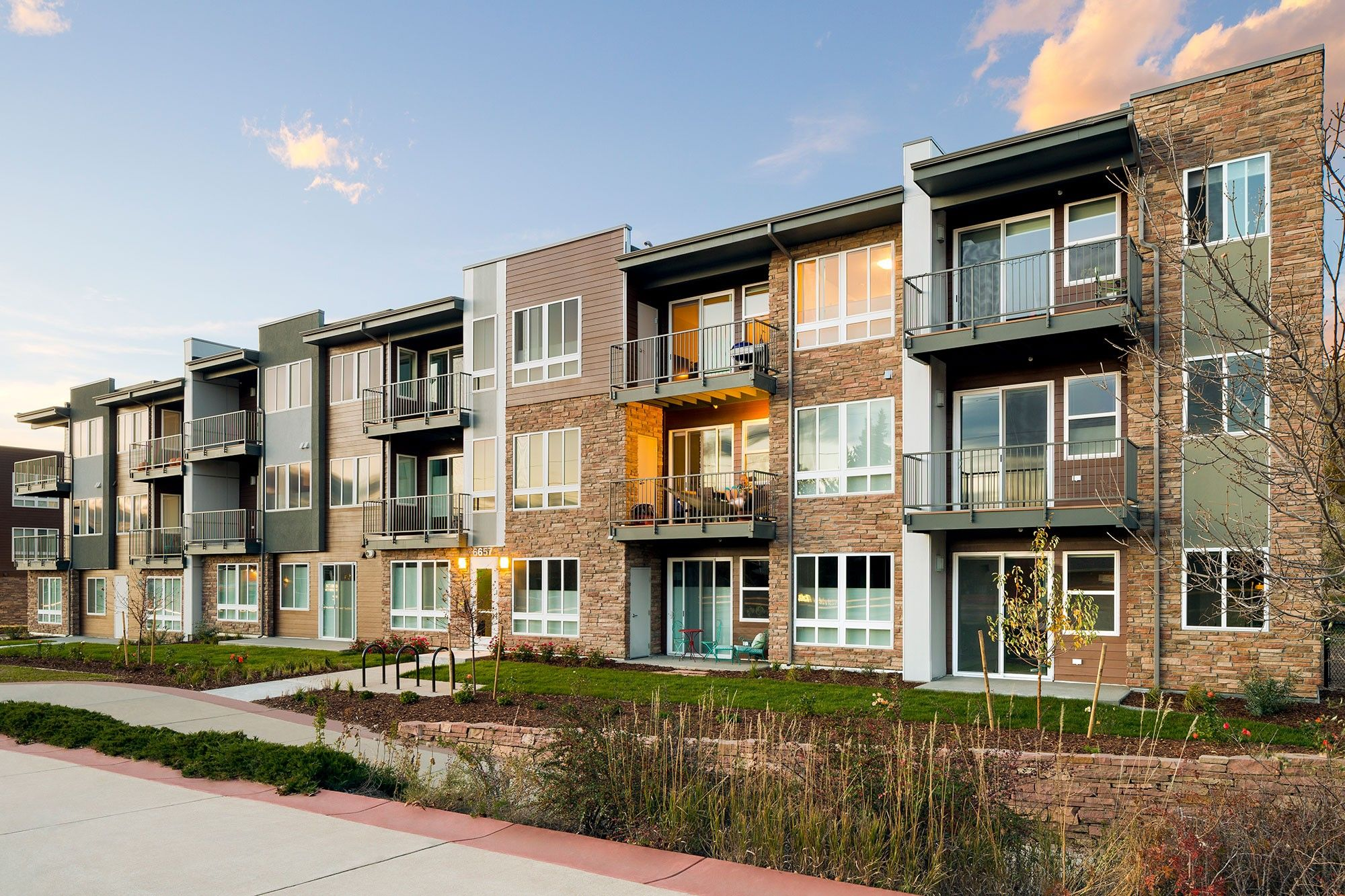 Ktgy Architecture And Planning Multi Family 3 Story Walk