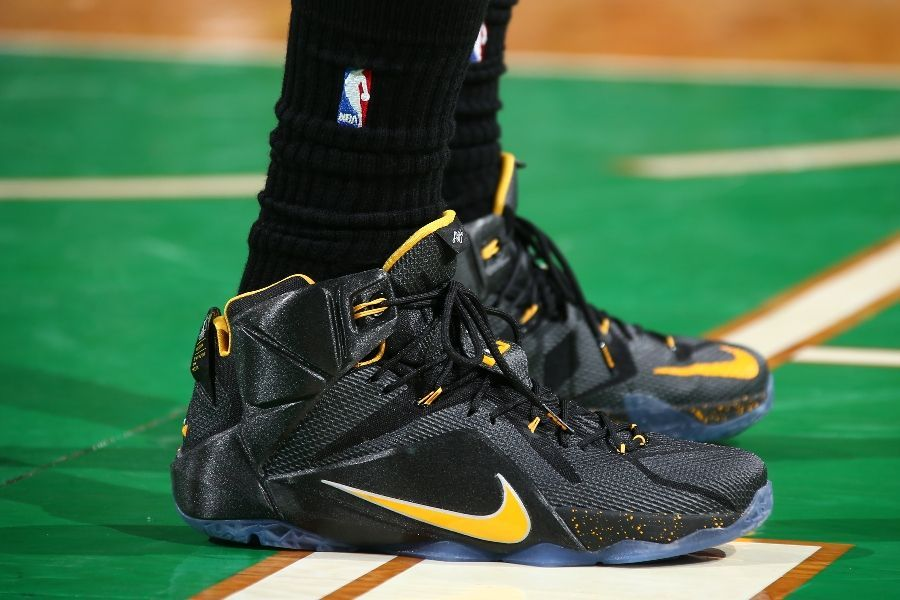 SoleWatch LeBron James Drops 41 in a Nike LeBron 12 PE NBA Sole - fresh nba coloring pages of lebron james