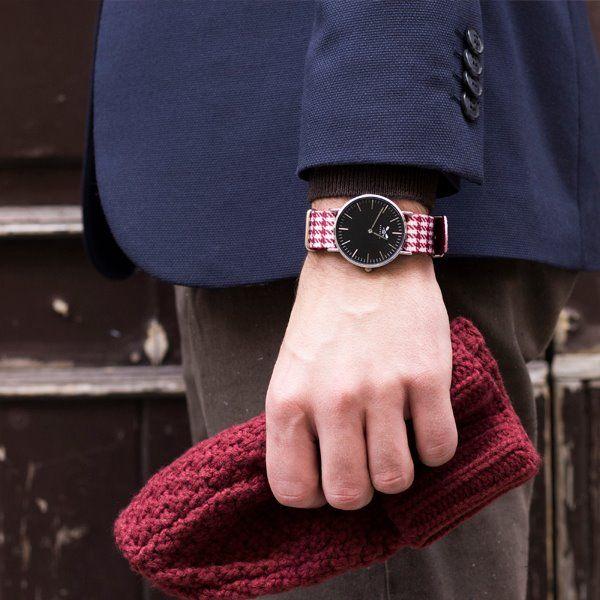 Barbosa be Sailor è più di un orologio, è un vero accessorio moda proposto in tanti colori di tendenza!! A partire da 59,00 euro. http://www.gioiellibijouxonline.com/56-barbosa-be-sailor
