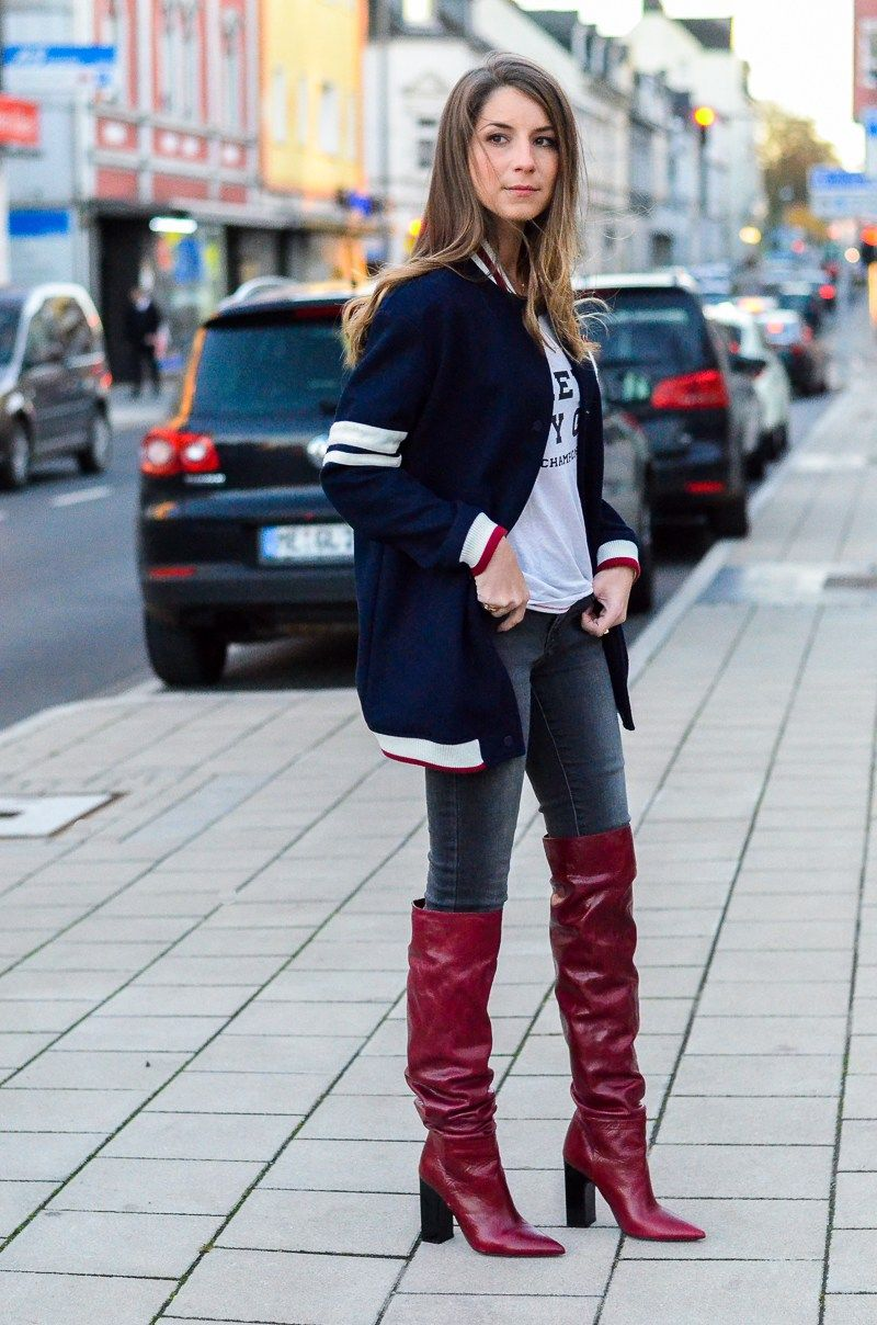 Style mix college jacke jeans boots stiefel pinterest stiefel overknees und schuhe - Rote college jacke ...