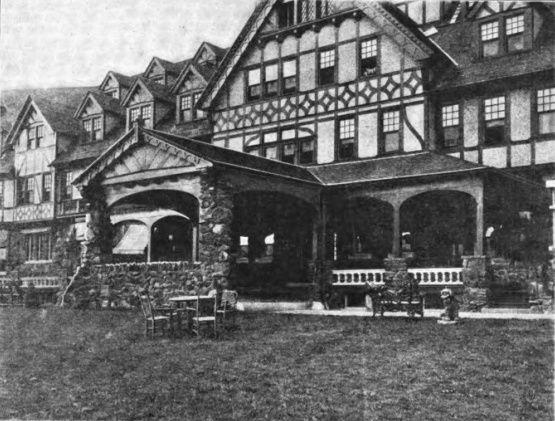 Porch and porte-cochère of a Tudor building