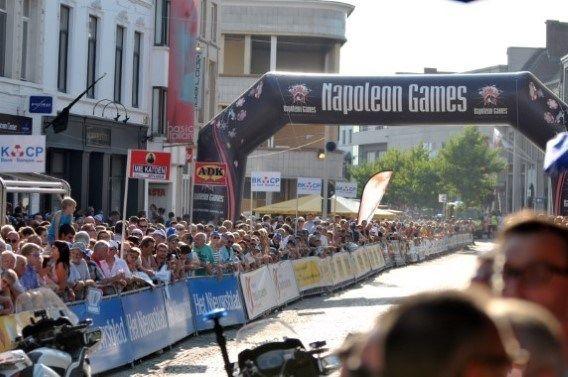Ieder jaar op de 1ste maandag na de Parijse aankomst van de Tour de France komen honderden mensen op straat. Op die dag is Aalst de eerste plaats waar het Na Tourcriterium wordt gereden. Wie niet gedesinteresseerd is in het wielrennen kan gerust genieten van een terrasje en veel ambiance!