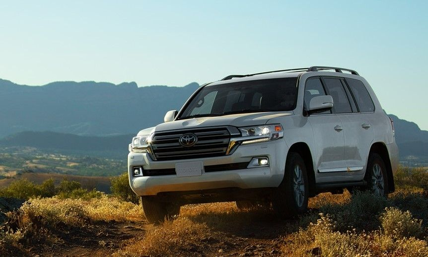 2019 Toyota Land Cruiser Redesign, Exterior and Specs