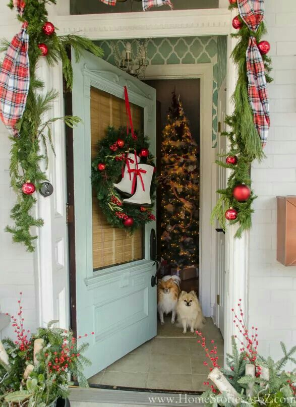 Pin by Nancy Barr on entry Pinterest Holiday decorating, Wreaths