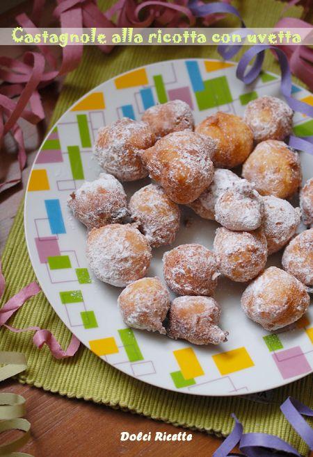 Castagnole alla ricotta con uvetta #castagnole #dolcidicarnevale #carnevale #dolcifritti