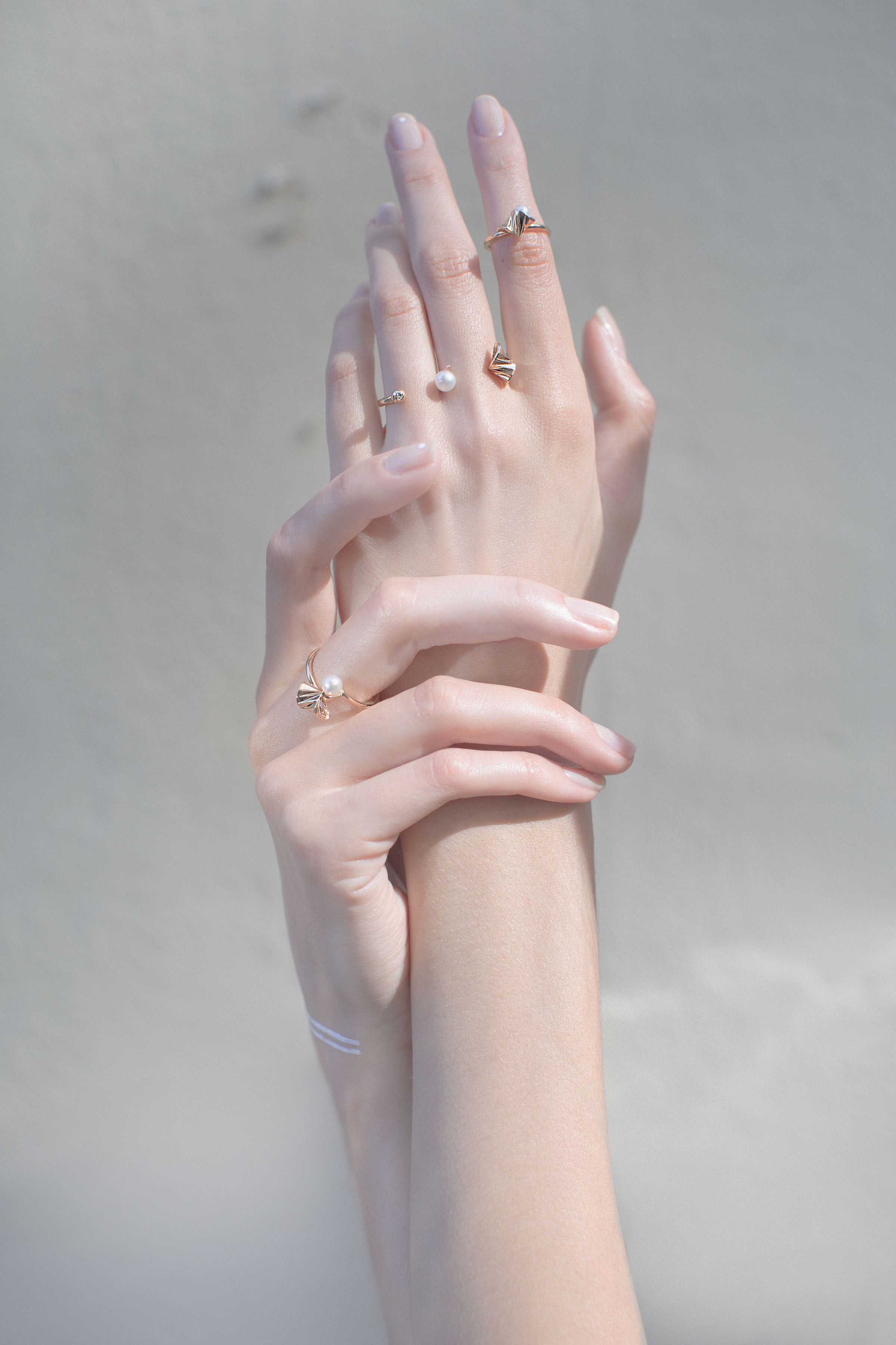 Onda Open Ring In 2020 Hand Photography Hand Reference Hand Pose