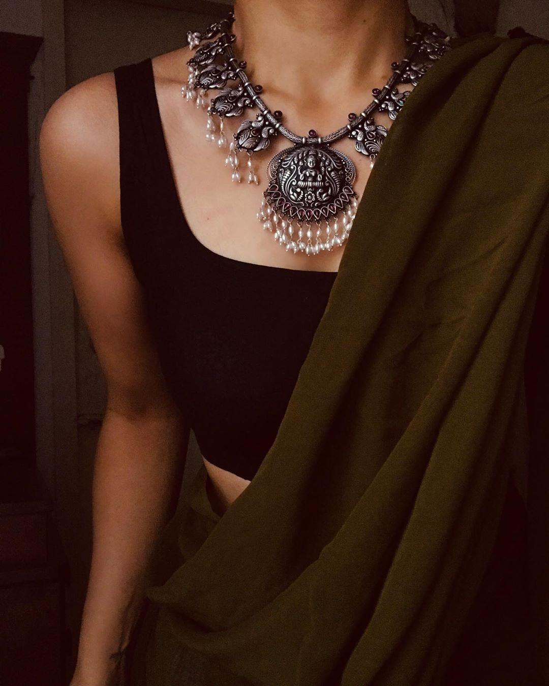 "Margazhii ® on Instagram: ""#styling | Jewellery @p"