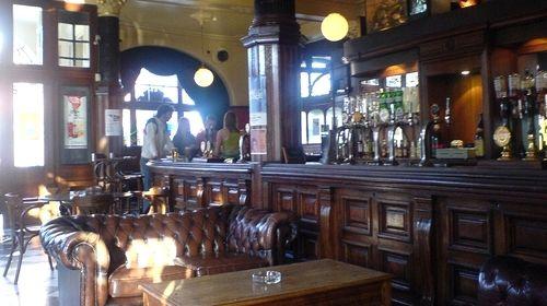 soir es c libataire apero pub irlandais nantes pub. Black Bedroom Furniture Sets. Home Design Ideas