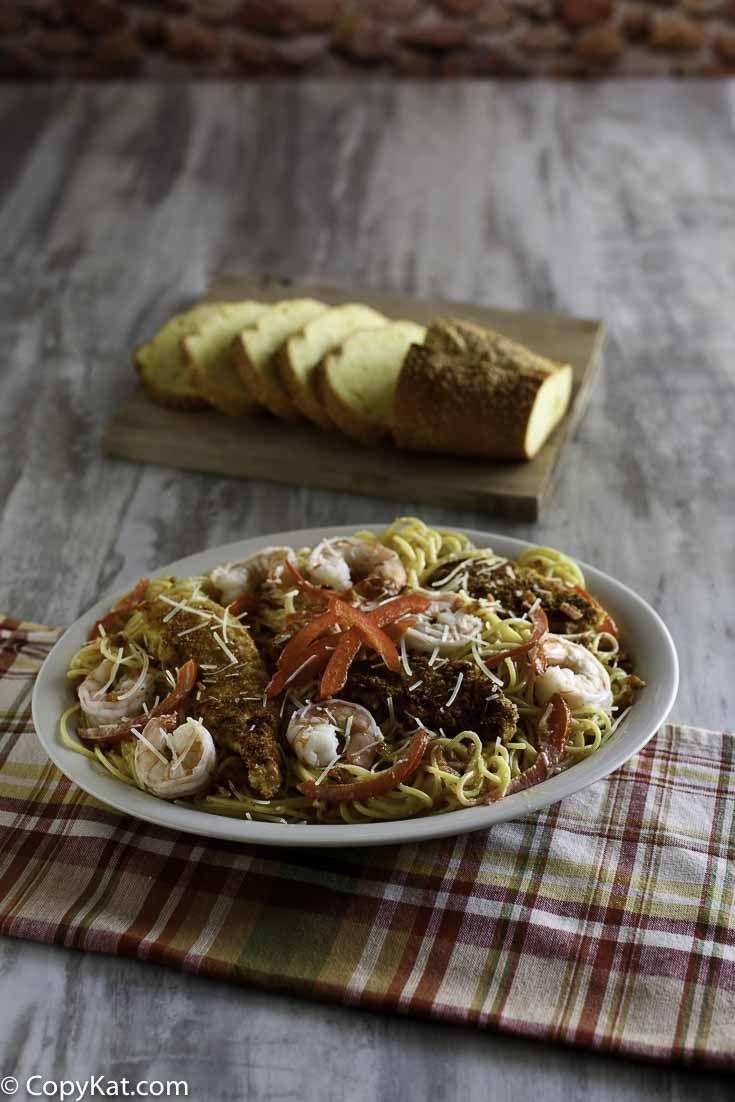 Olive Garden Chicken and Shrimp Carbonara | Recipe | Olive gardens ...