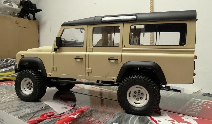 2b0cca2a0aedda Painted   1 10 Land Rover Defender D90 275mm wheelbase Hard Plastic ...