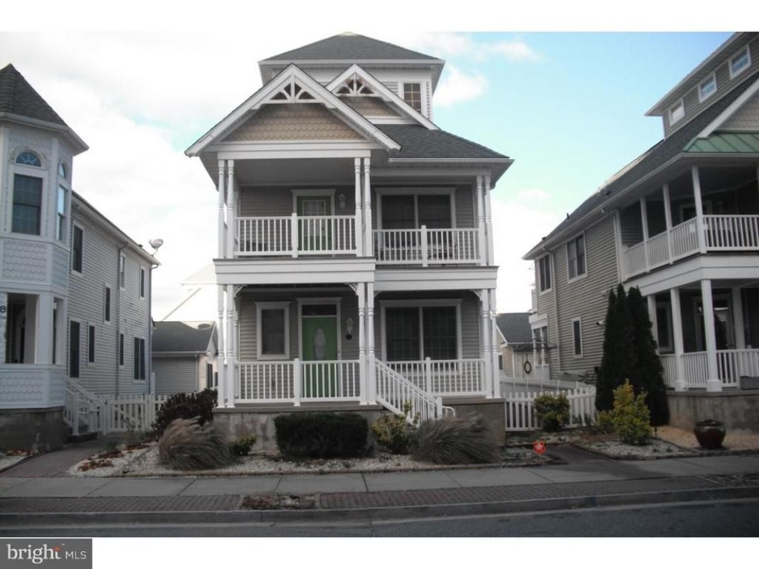 105 Adriatic Avenue Atlantic City Nj 08401 With Images Residential Real Estate House Styles City