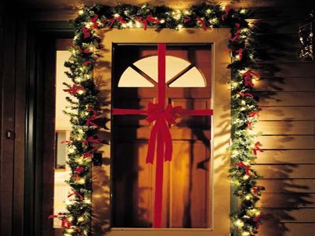 Resultado de imagen para decoracion navide a guirnaldas for Guirnaldas navidenas para puertas y ventanas