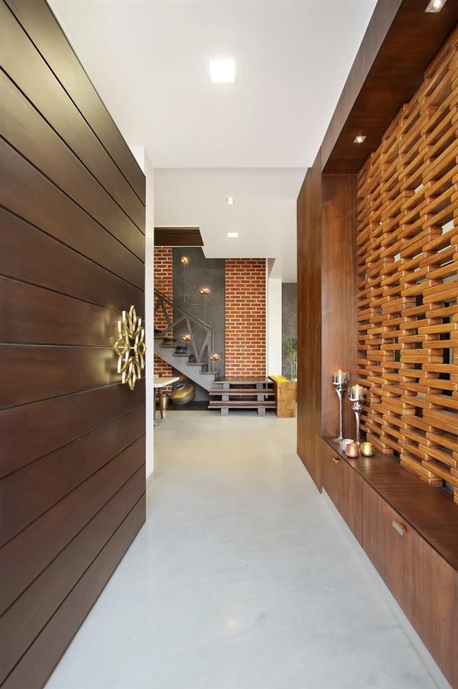 Archis patel tanvi rajpurohit projects door for Foyer designs india
