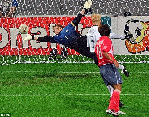 100 World Cup Heroes 60 41 Bergkamp Milla Batistuta And Banks World Cup World Cup Semi Final World Cup Final