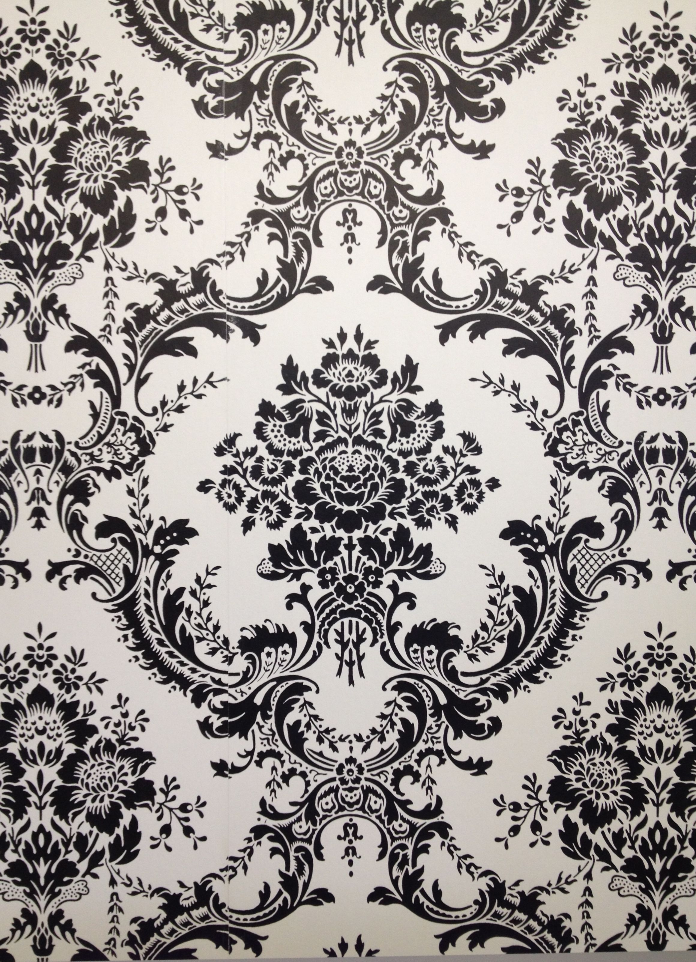 Damask wallpaper black and white. Modern and glamour. You can find it in Rona