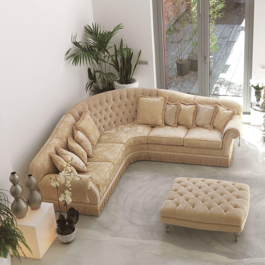 Nella scelta dei divani classici angolari è opportuno