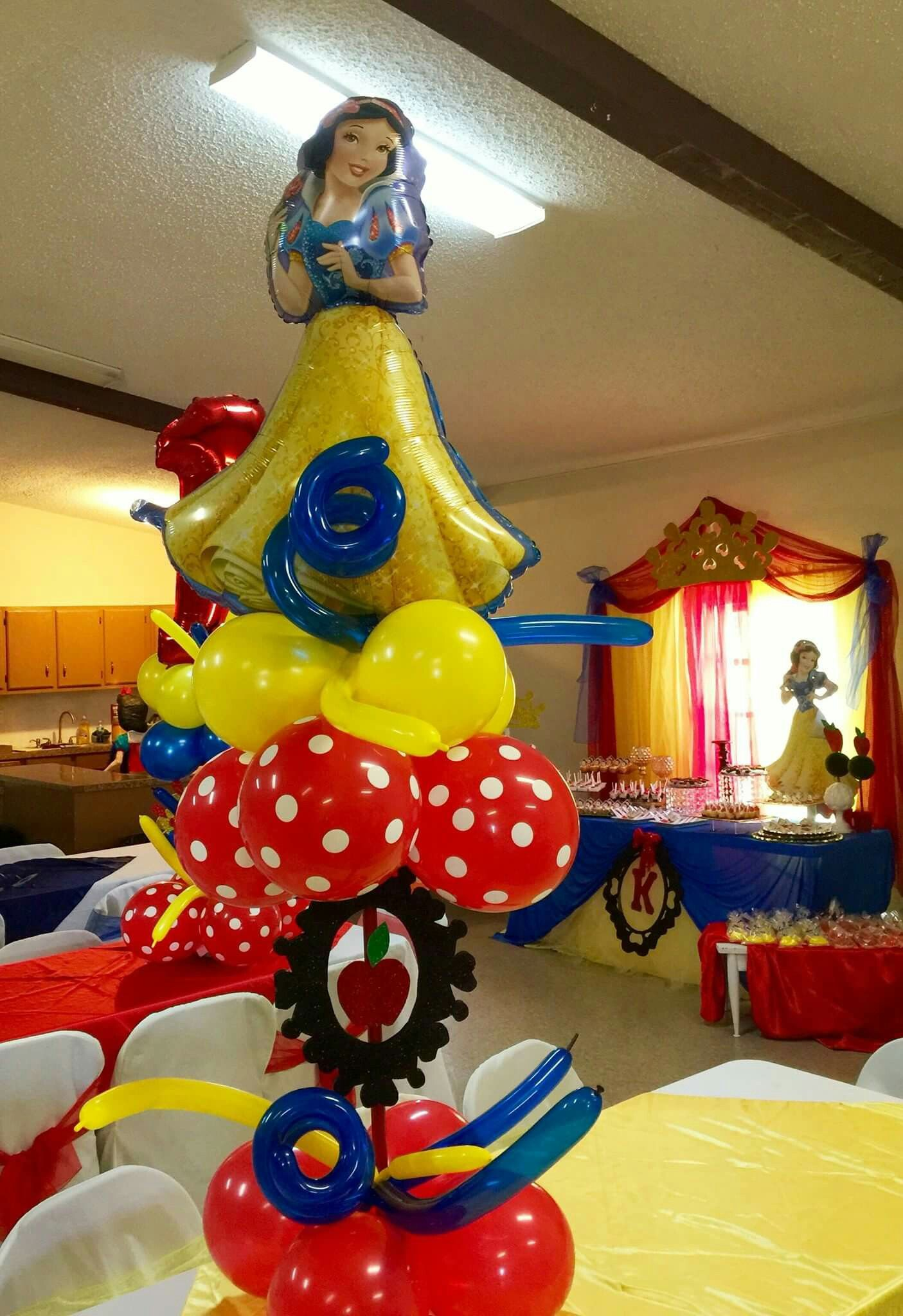 Snow white centerpiece fiesta de sofi pinterest