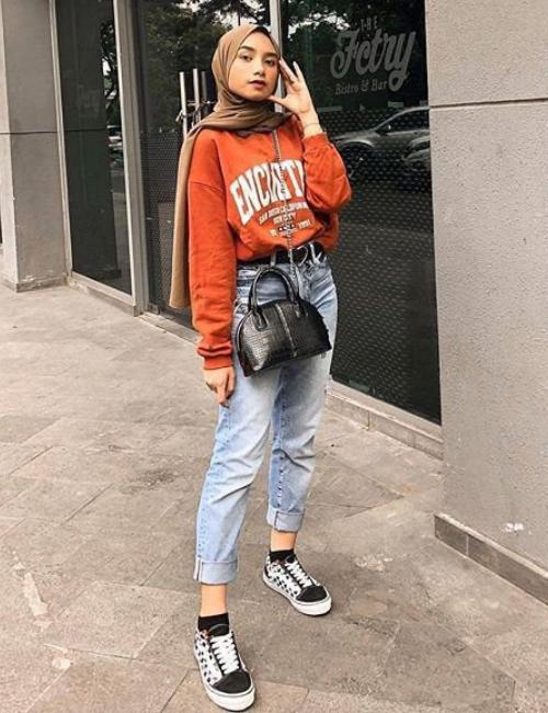 Top 9 Hijab Fashion For Jeans 2020 Hijab Fashion Fashion Hijab Style Casual